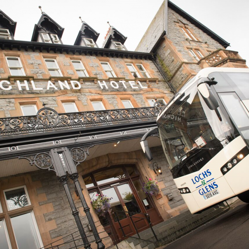 Lochs & Glens Coach outside the Highland Hotel